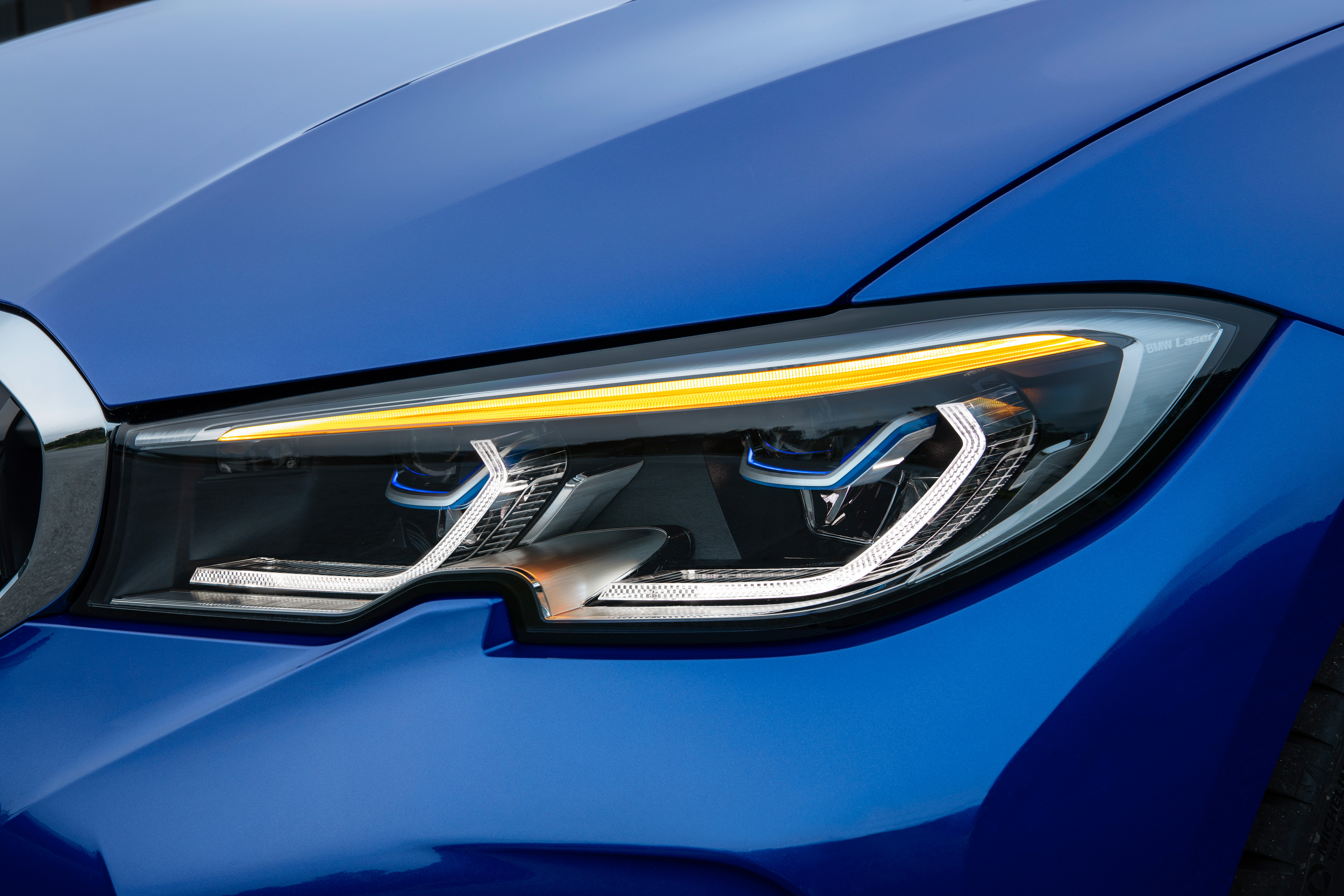 2019 BMW headlamp