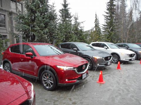 2019 mazda cx-5s lined up