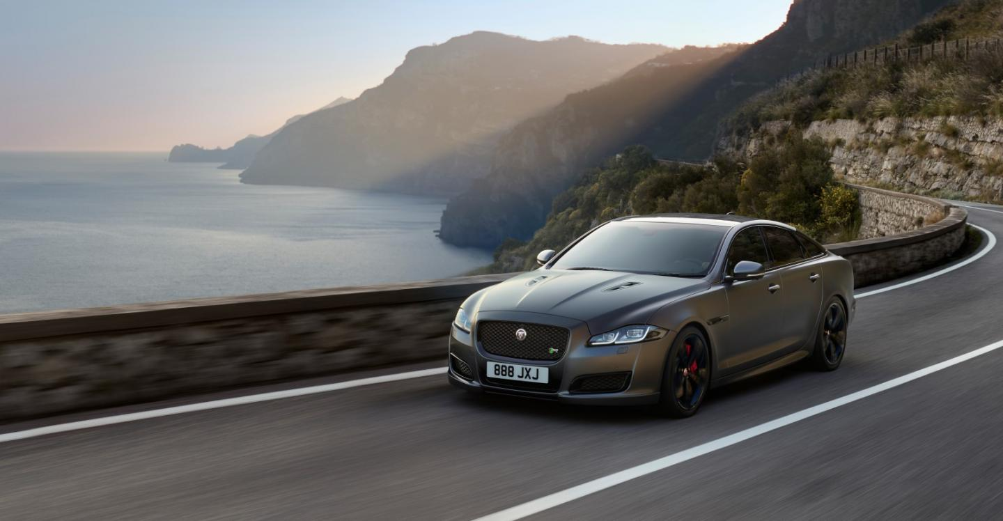 Jaguar adds 575-horsepower XJR575 to 2018 lineup