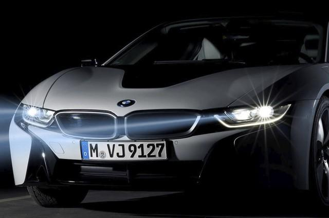 Another BMW first: production laser headlights on i8