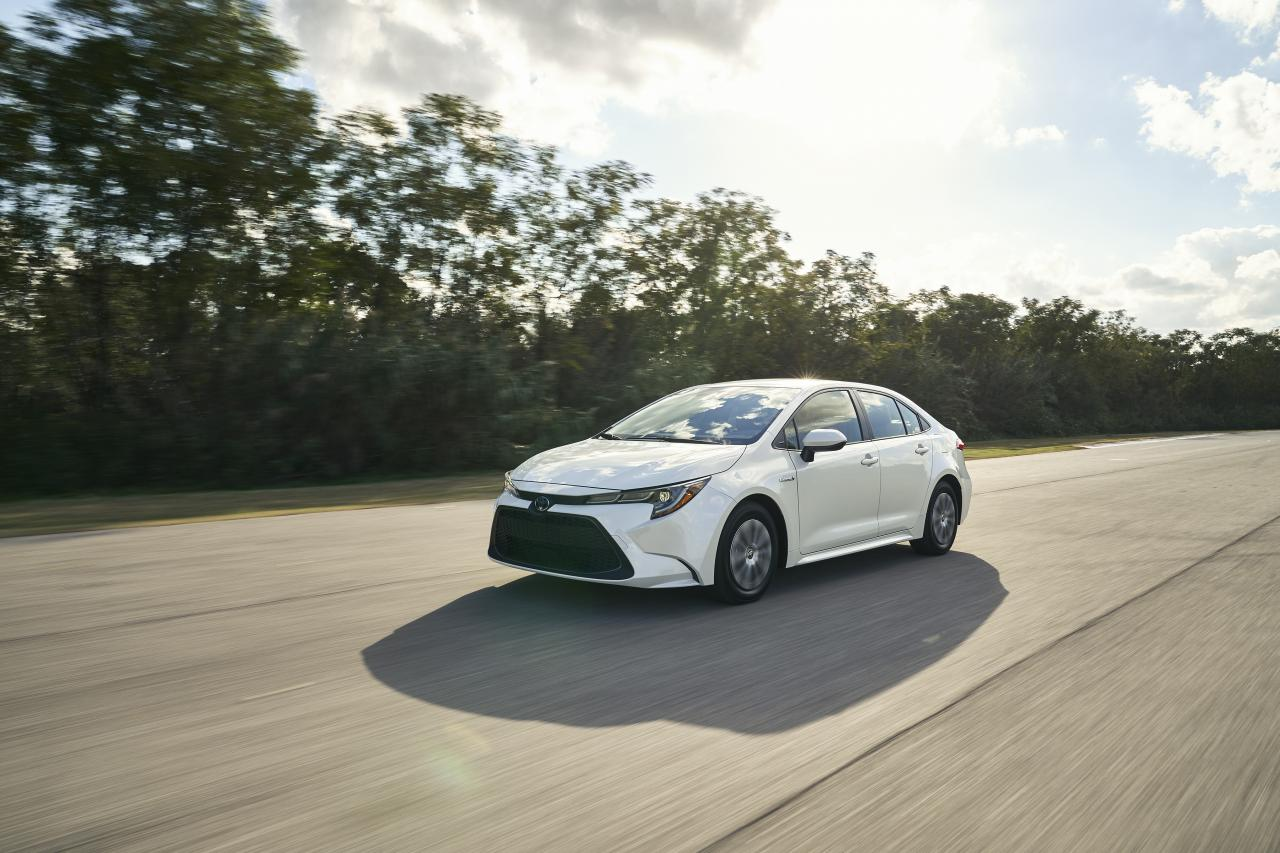 Toyota Corolla lineup adds hybrid model for 2020 | OpenRoad