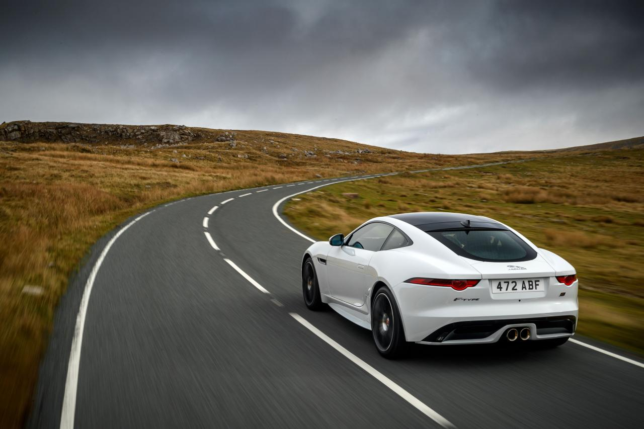 2020 jaguar f-type chequered flag edition rear