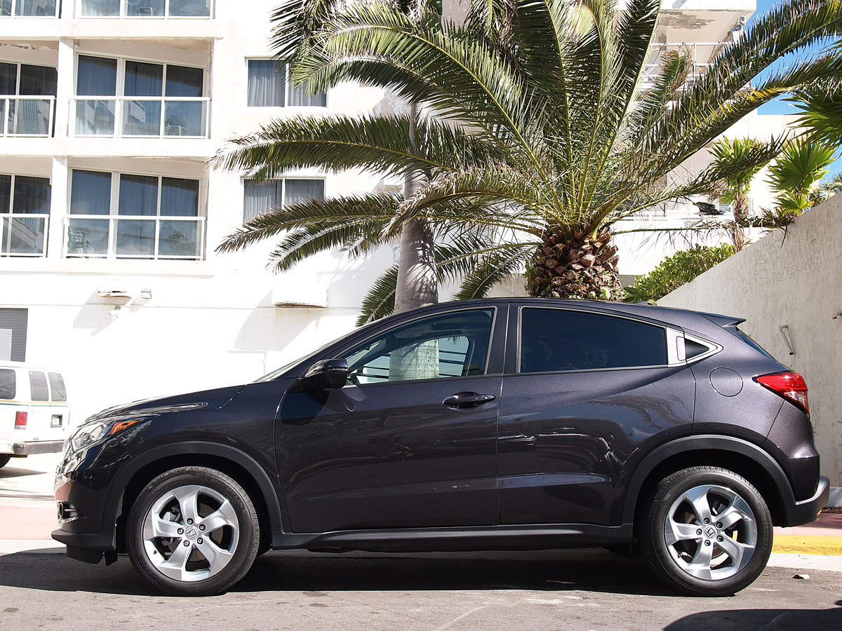 2016 Honda HR-V side shot