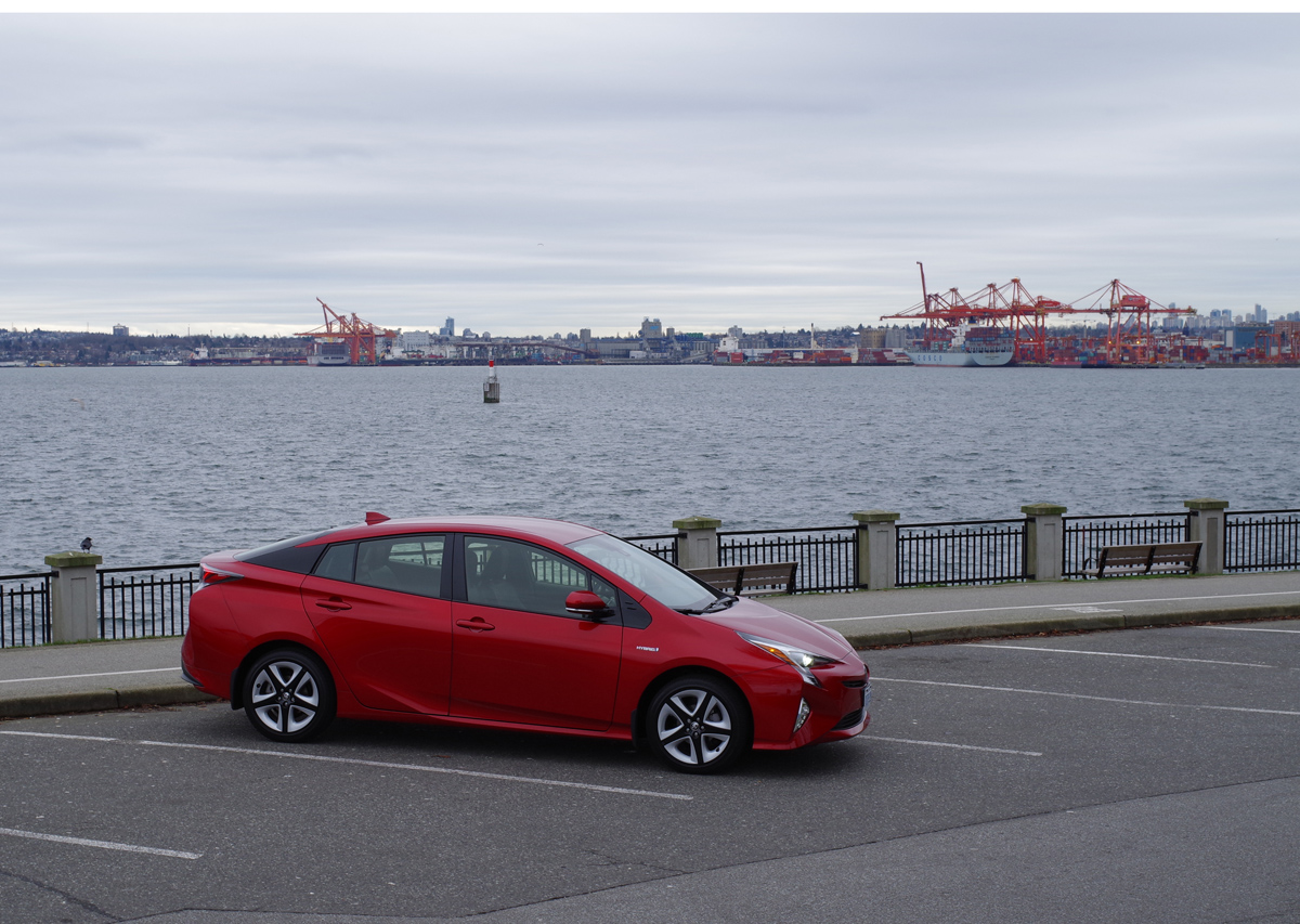 2016 Toyota Prius red