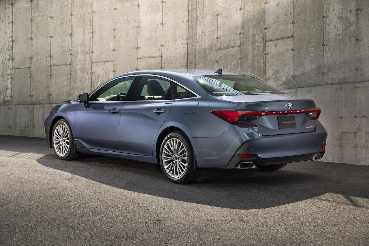 2019 Toyota Avalon Limited rear