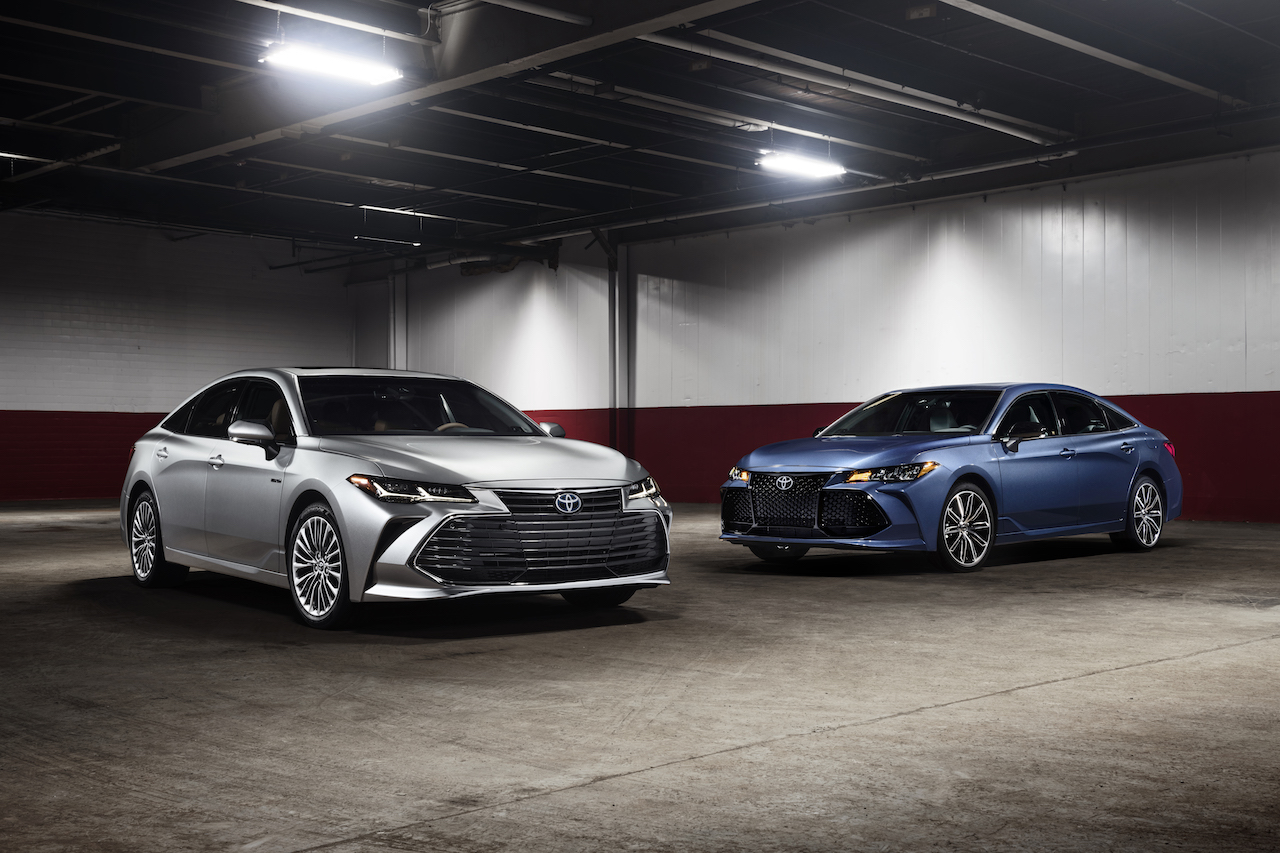 2019 toyota avalon xse and limited