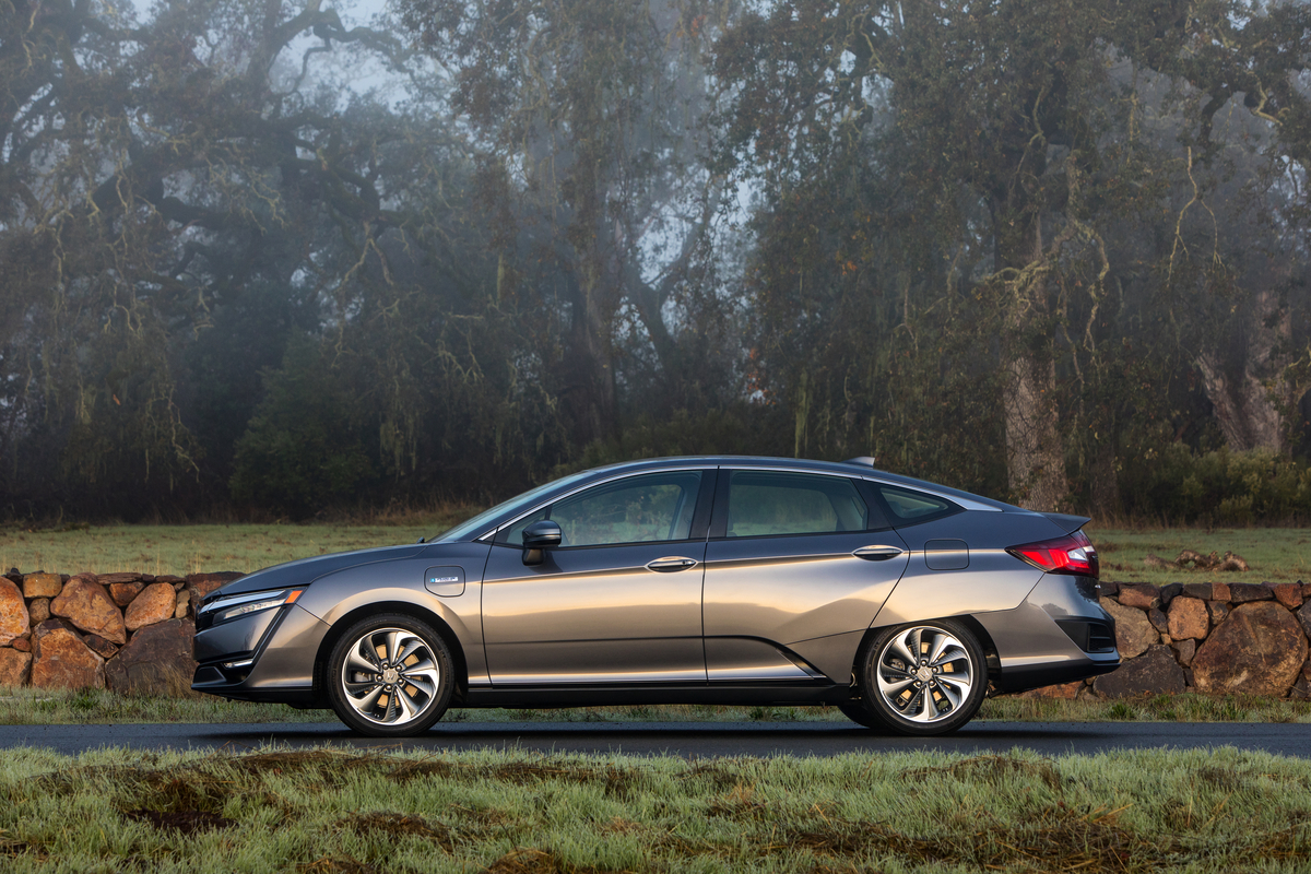 2018 Honda Clarity side