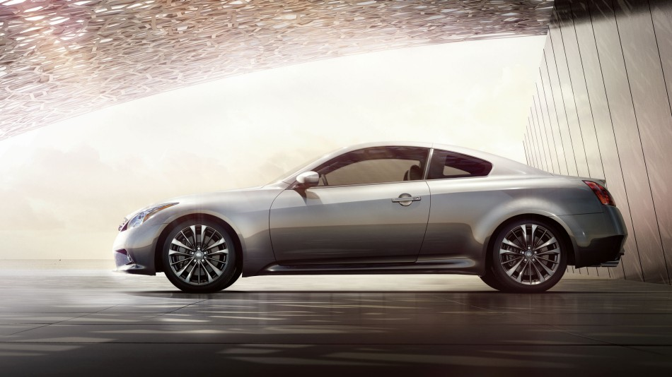 The 2015 Infiniti Q60 AWD coupe
