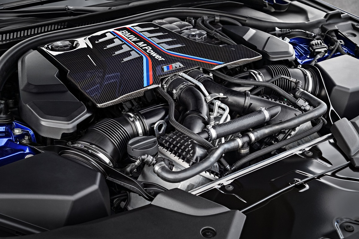 2018 BMW M5 engine