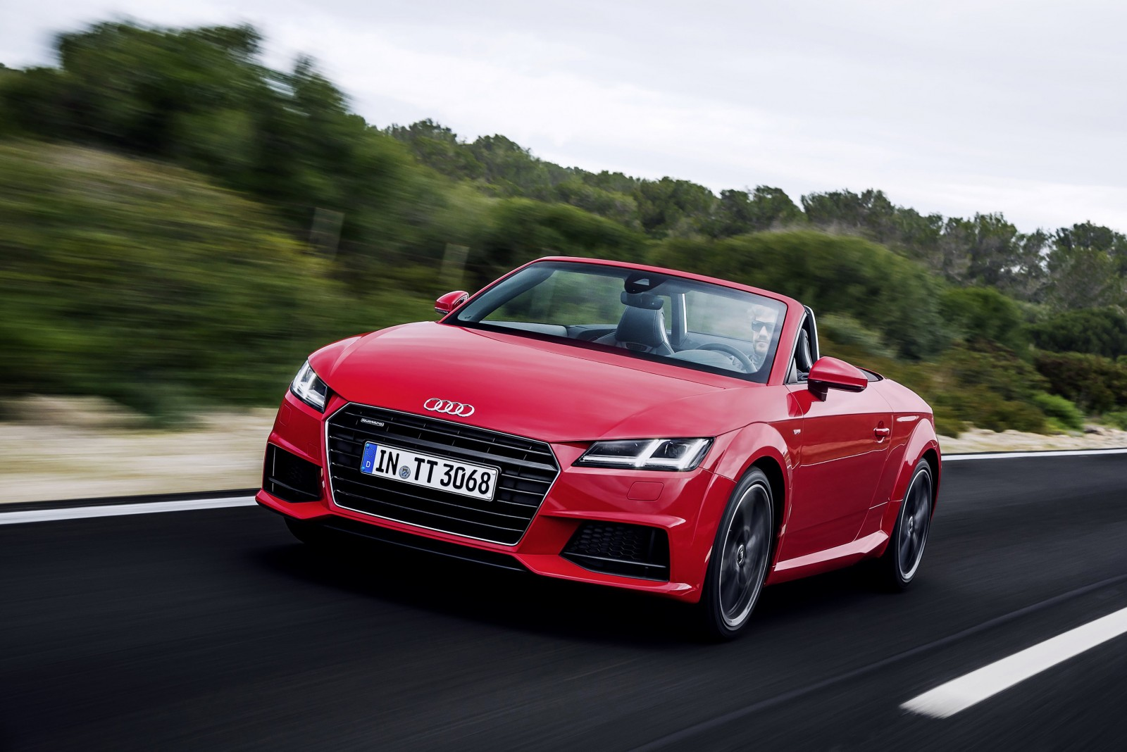 2016 Audi TT red front