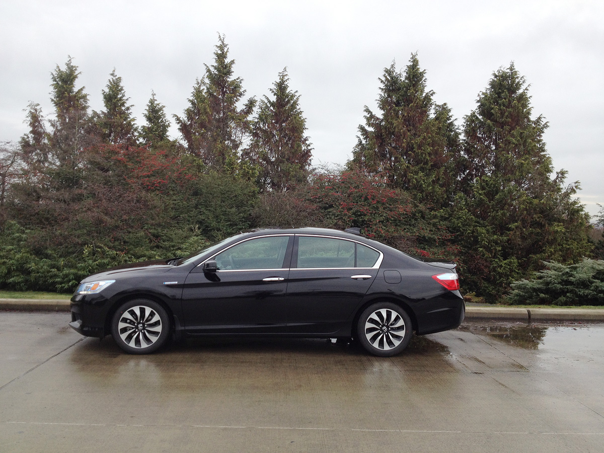 2014 Honda Accord Hybrid side view