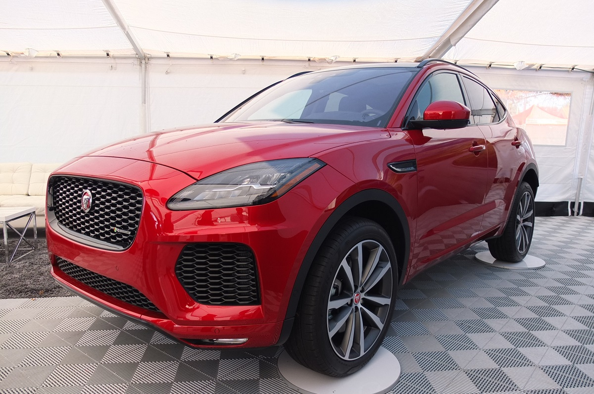 jaguar_art_of_performance_tour_2017_e-pace