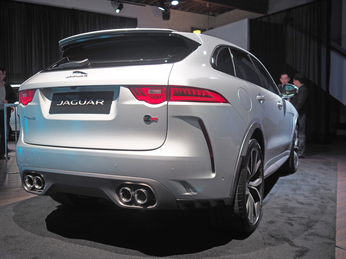 jaguar_f-pace_svr_rear