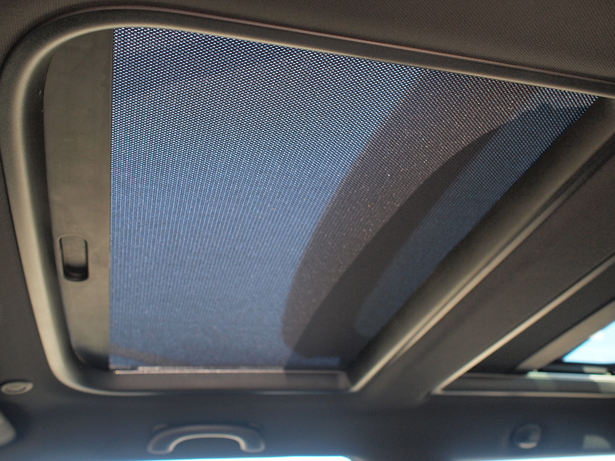 MINI Cooper S panoramic moonroof